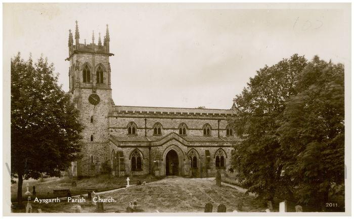 Postcard front: Aysgarth Parish Church.