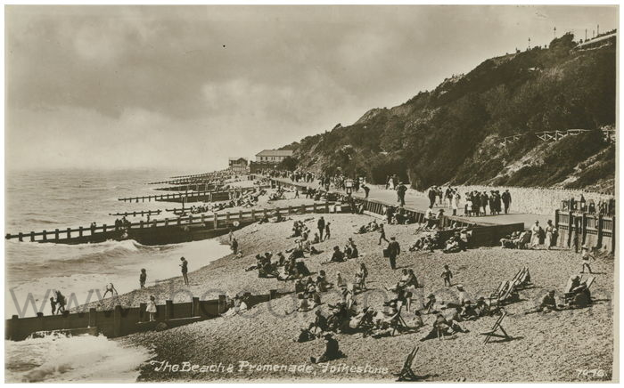 Postcard front: The Beach & Promenade, Folkestone.