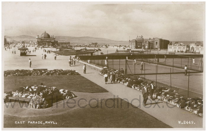 Postcard front: East Parade, Rhyl.