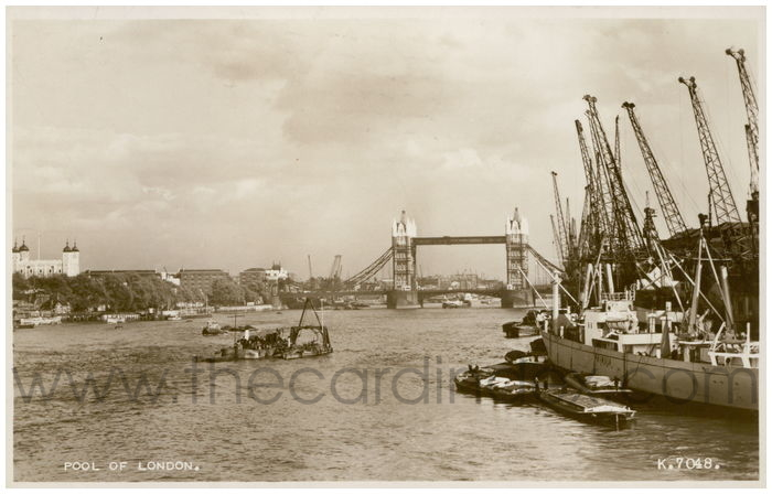 Postcard front: Pool Of London.