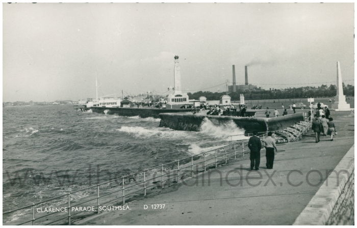 Postcard front: Clarence Parade, Southsea.