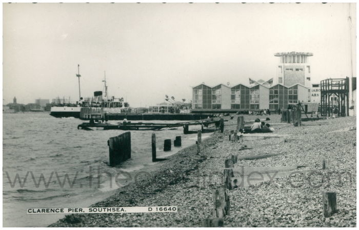 Postcard front: Clarence Pier, Southsea.