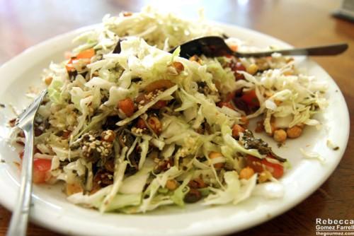 A mixed tea leaf salad