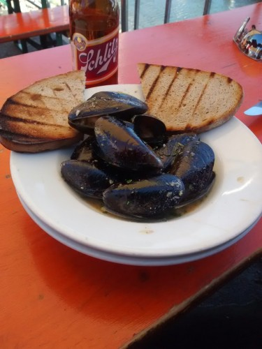 brotzeit lokal mussels oakland
