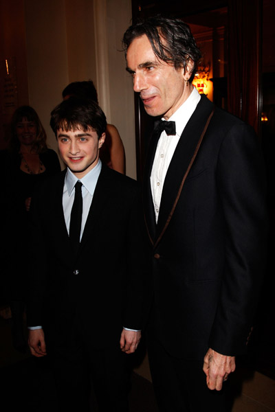 Movies_awards_bafta2008_radcliffe_002
