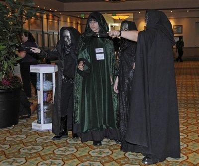 Normal_fans_infinitus2010_costumes_10