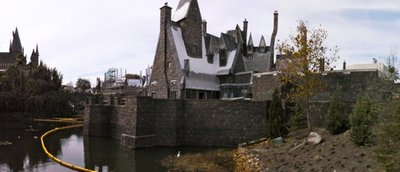 Normal_fans_harrypotterthemepark_construction_661