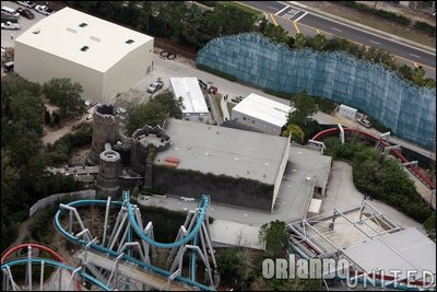 Normal_fans_harrypotterthemepark_construction_682