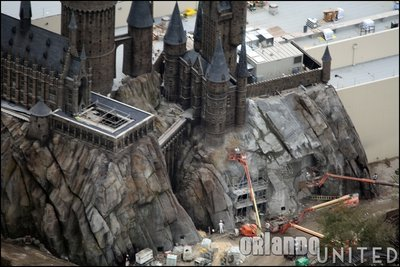 Normal_fans_harrypotterthemepark_construction_683