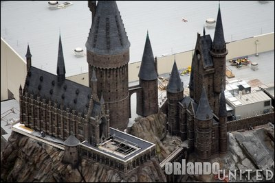Normal_fans_harrypotterthemepark_construction_684