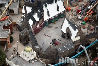 Normal_fans_harrypotterthemepark_construction_688