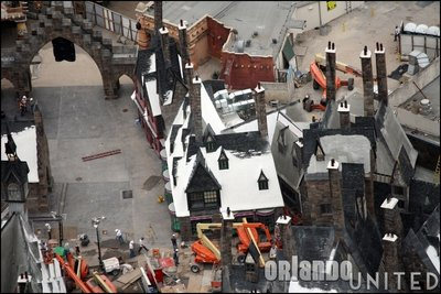 Normal_fans_harrypotterthemepark_construction_704