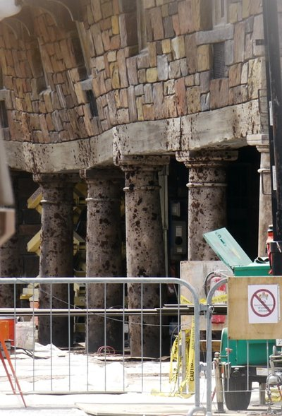 Normal_fans_harrypotterthemepark_construction_798