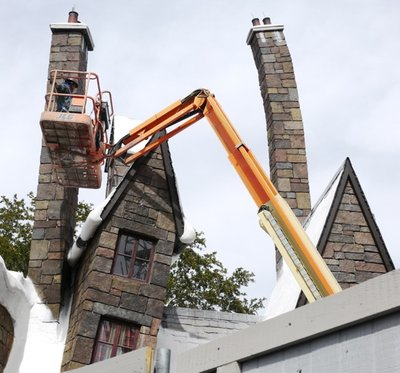 Normal_fans_harrypotterthemepark_construction_802