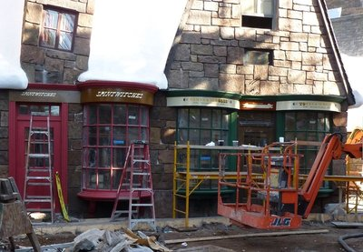 Normal_fans_harrypotterthemepark_construction_813
