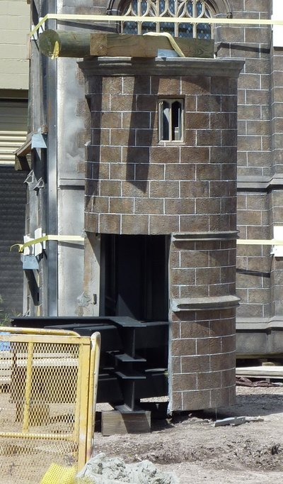 Normal_fans_harrypotterthemepark_construction_032