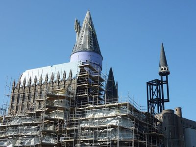 Normal_fans_harrypotterthemepark_construction_050
