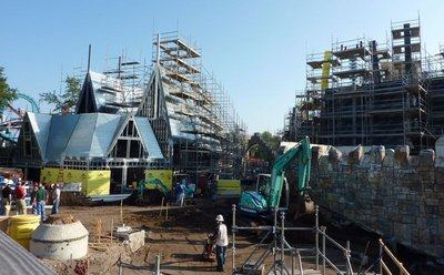 Normal_fans_harrypotterthemepark_construction_062