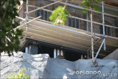 Normal_fans_harrypotterthemepark_construction_164