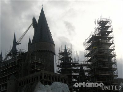 Normal_fans_harrypotterthemepark_construction_238