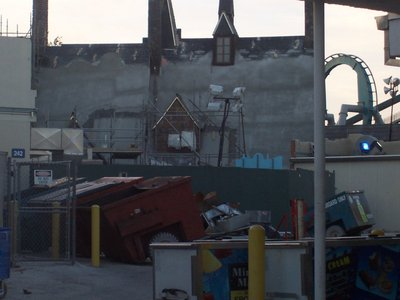 Normal_fans_harrypotterthemepark_construction_298