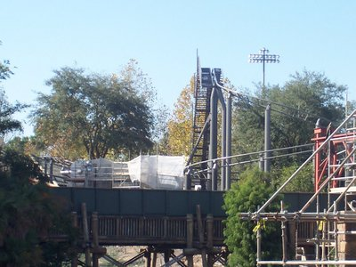 Normal_fans_harrypotterthemepark_construction_369