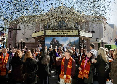 Normal_fans_wwohp_hollywood_announcement_002