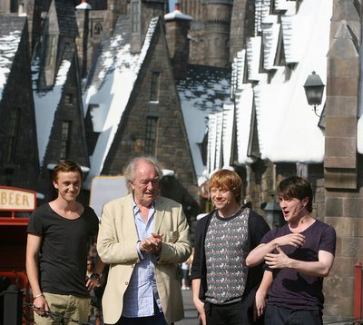 Normal_wwohp_opening_celebritypreview_048