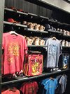 Thumb_wwohp_merch_universalstoreorlairport_003