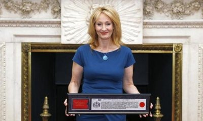 Normal_rowling_apperances_2012_fredominthecity_003
