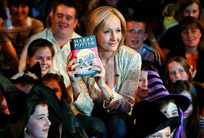 Normal_jkr_appearances_deathlyhallowsrelease_004