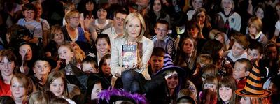 Normal_jkr_appearances_dhreadinglondon_02