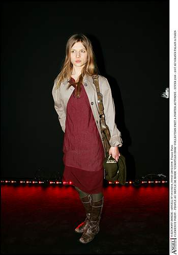Poesy_appearances_diorfashionshow2006_04