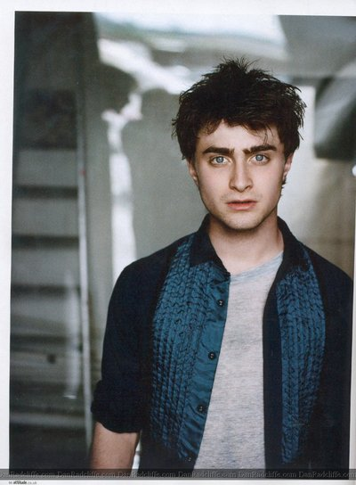 Normal_radcliffe_articles_attitude09_010