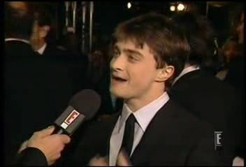 Radcliffe_interviews_baftas08redcarpet_051