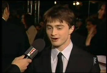 Radcliffe_interviews_baftas08redcarpet_055