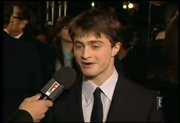 Radcliffe_interviews_baftas08redcarpet_056