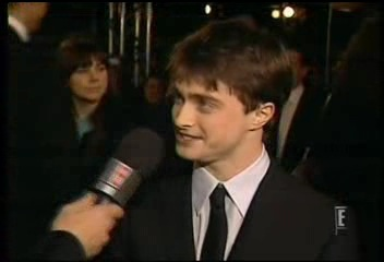 Radcliffe_interviews_baftas08redcarpet_061