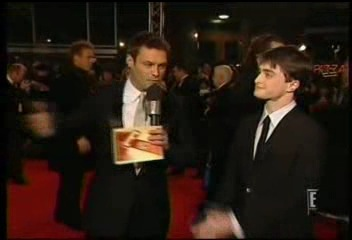 Radcliffe_interviews_baftas08redcarpet_065