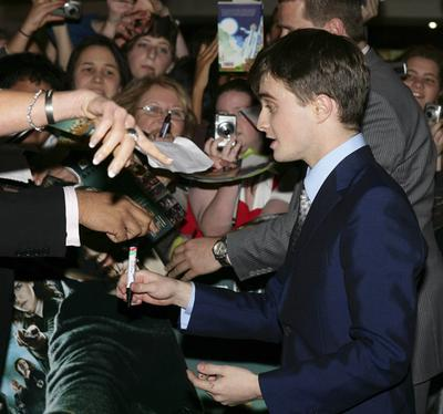 Normal_radcliffe_appearances_decemberboys_premsydney_13