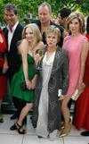 Thumb_appearances_juliewalters_mammamiapremiere_002
