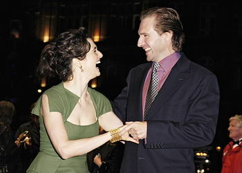 Fiennes_appearances_theconstantgardener_londonpremiere_6