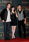 Thumb_pattinson_appearances_newmoonphotocallmadrid09_02