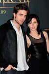 Thumb_pattinson_appearances_newmoonphotocallmadrid09_05