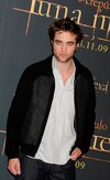 Thumb_pattinson_appearances_newmoonphotocallmadrid09_12