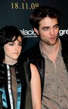 Thumb_pattinson_appearances_newmoonphotocallmadrid09_24
