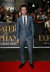 Thumb_pattinson_appearances_w4e_sydney_prem_036