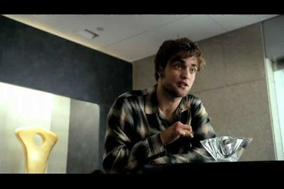 Normal_pattinson_films_remembermetrailer_17