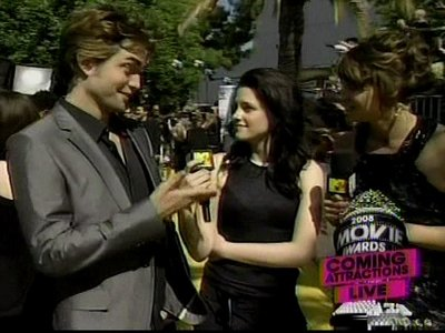 Normal_pattinson_interviews_mtvmovieawards08_010