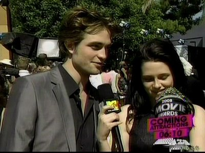 Normal_pattinson_interviews_mtvmovieawards08_023